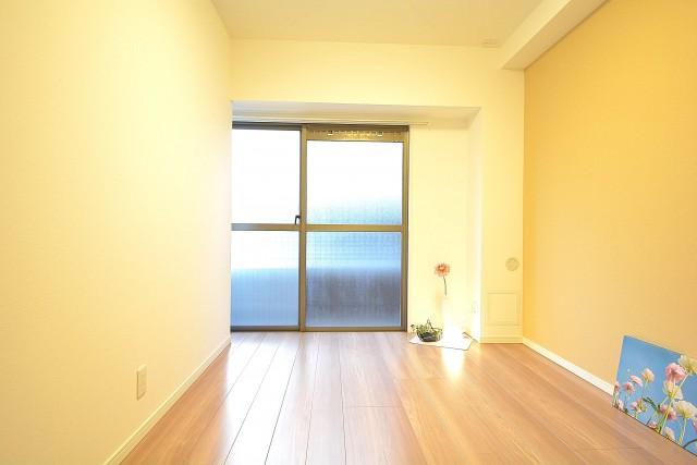 三田富洋ハイツ 約5.4畳の洋室