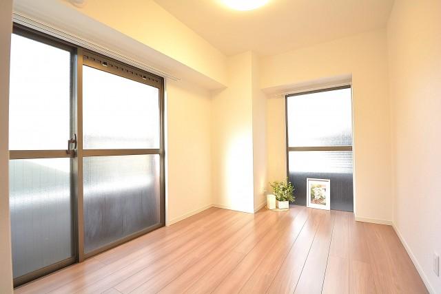 三田富洋ハイツ 約5.0畳の洋室