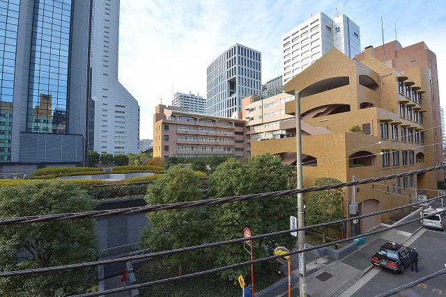 三田富洋ハイツ 西向きバルコニーからの眺望
