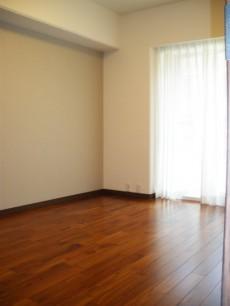 約6.9畳の洋室