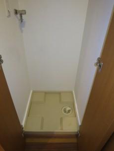 洗面室入り口・洗濯機置き場