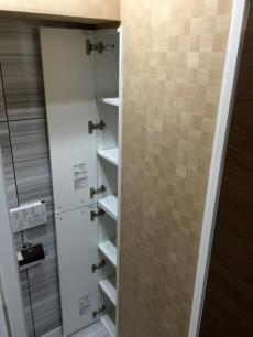 クレベール西新宿フォレストマンション トイレ収納