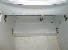 ホワイトな洗面化粧台 収納