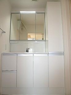ホワイトな洗面化粧台