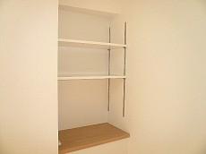 洋室6.6帖 収納棚