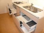 収納・機能充実なキッチン