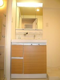原宿ニュースカイハイツ 洗面化粧台です。