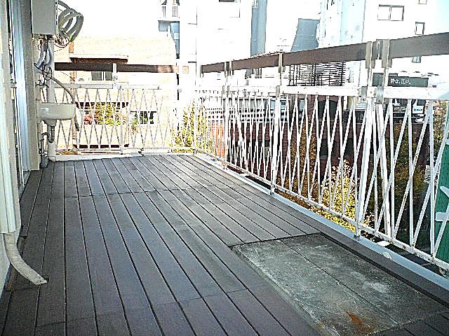 原宿ニュースカイハイツ 広々ウッドデッキバルコニー
