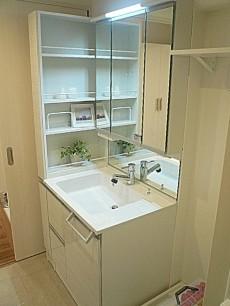リネン庫もある洗面化粧台です。
