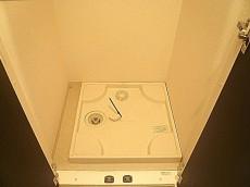 マンションフロイント麻布 洗濯機置き場です。