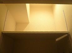マンションフロイント麻布 洗濯機置き場 棚