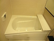 マンションフロイント麻布 浴室 浴槽です。