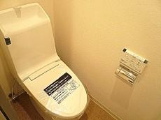 マンションフロイント麻布 ウォシュレット一体型トイレです。