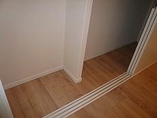 マンションフロイント麻布 1Rのお部屋 クローゼットです。