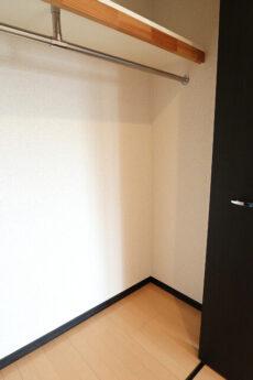 ミリオングランデ元赤坂ヒルズ  洋室