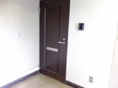 メナー代田 玄関扉