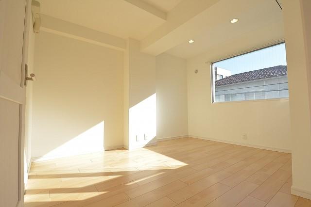 メイゾン西麻布 約6.0畳の洋室