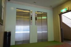マンションニュー本郷 エレベーター