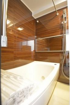 タウンシップ尾山台 高級感のあるバスルーム