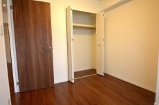 ラインコーポ高井戸 約4.7帖の洋室