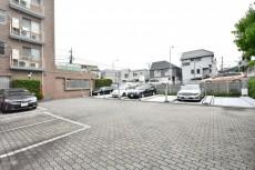 パークハイム用賀中町 駐車場