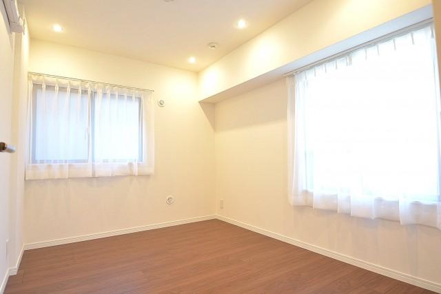 浜町グランドハイツ 約5.5畳の洋室