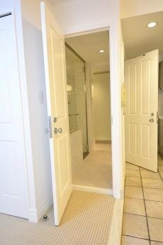 ビラハイツ北の丸 寝室扉