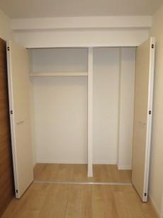洋室(約4.5帖) 収納