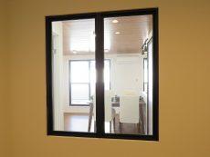 ジェイパーク南麻布 サービスルーム窓