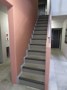 ジェイパーク南麻布 共用階段