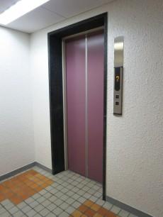 ヴァンヴェール新宿 エレベーター
