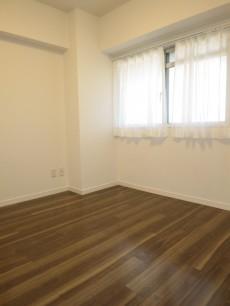 ヴァンヴェール新宿 洋室