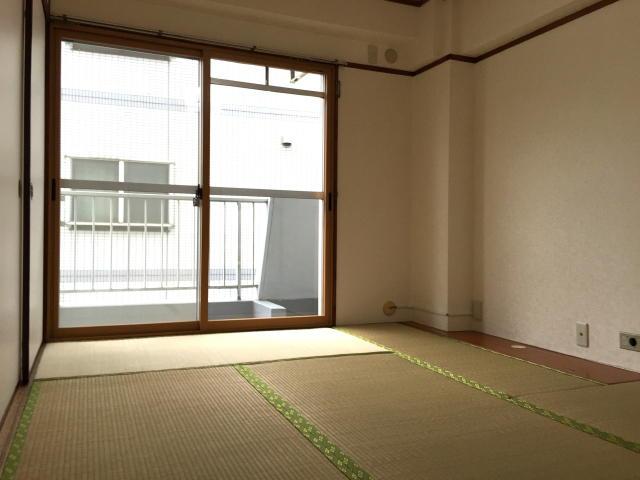 藤和用賀コープ 6帖和室(西側)