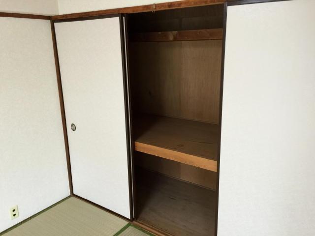 藤和用賀コープ 6帖和室(西側)収納