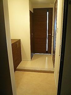 藤和青葉台コープ ゆとりある玄関ホールです。