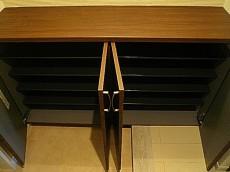 藤和青葉台コープ ワイドな玄関収納。