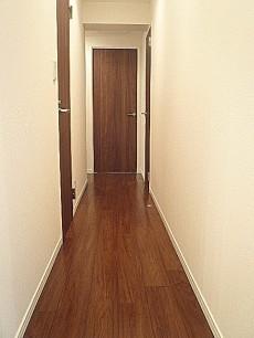 お部屋へと続く廊下です。