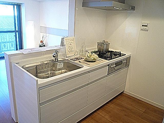 フローレンスパレス多摩川 清潔感あるカウンターキッチン♪
