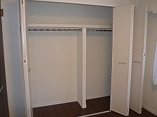 出窓付き 洋室5.3帖 収納