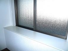 大きな出窓で開放的♪