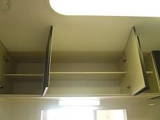 キッチン 吊戸棚です。