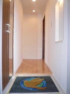 田園調布サニーハイツ 明るい玄関ホールです。