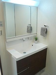 田園調布サニーハイツ 洗面化粧台です。