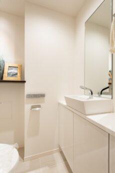 レジオン白金クロス トイレ