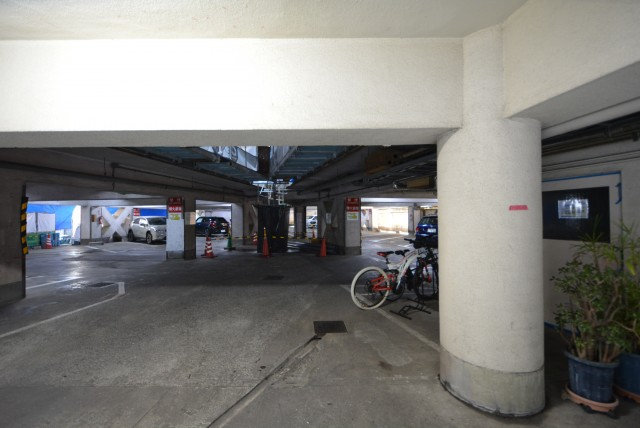 南平台アジアマンション605 駐車場