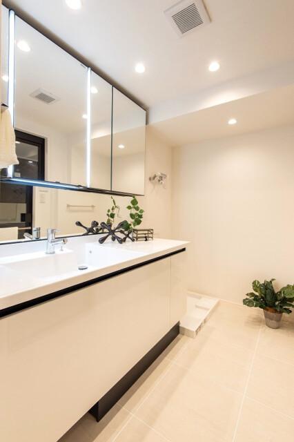 レジオン白金クロス 洗面室