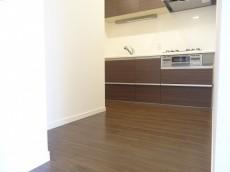 約3.9畳のゆとりあるキッチンスペース