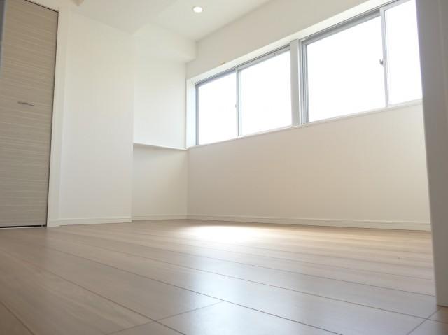 約4.8畳の洋室