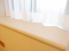 約4.3畳の洋室の出窓