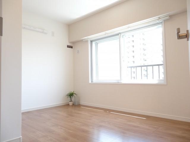 シャルマンコーポ第2芦花公園 約5.0畳の洋室